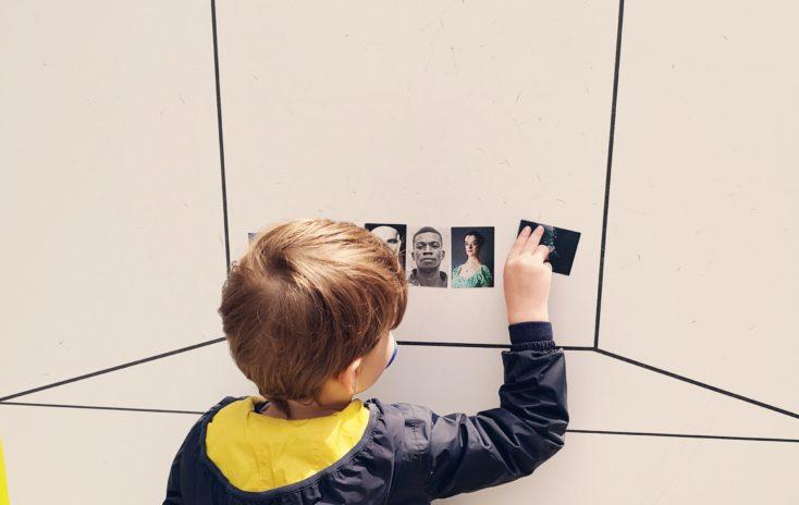 Le Centquatre sensibilise les enfants à la photographie