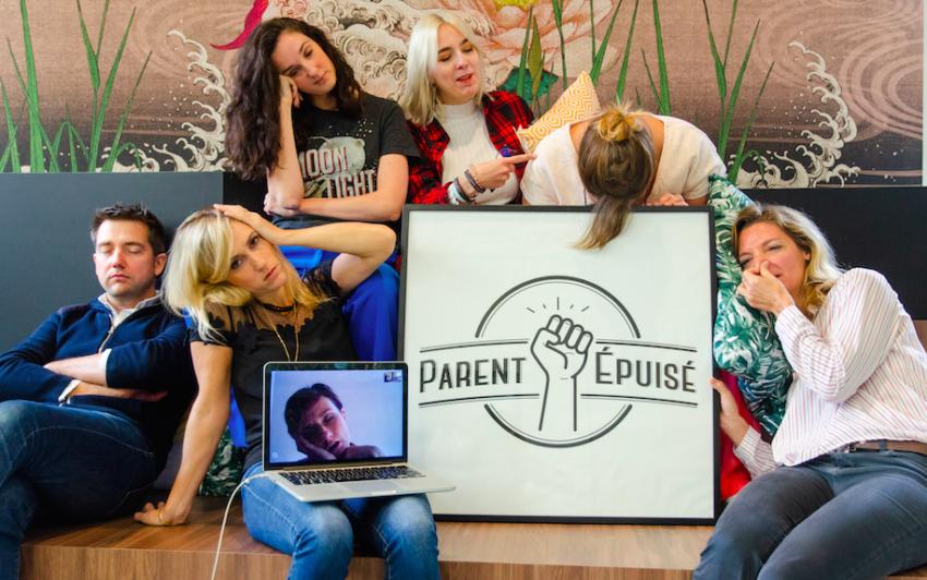 « Parent épuisé » : quand il vaut mieux en rire